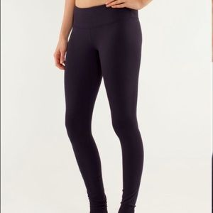 Lululemon Wonder Under Black Size 4